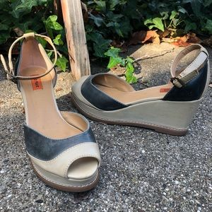 Miz Mooz strappy gray/cream leather sandal sz 8.5